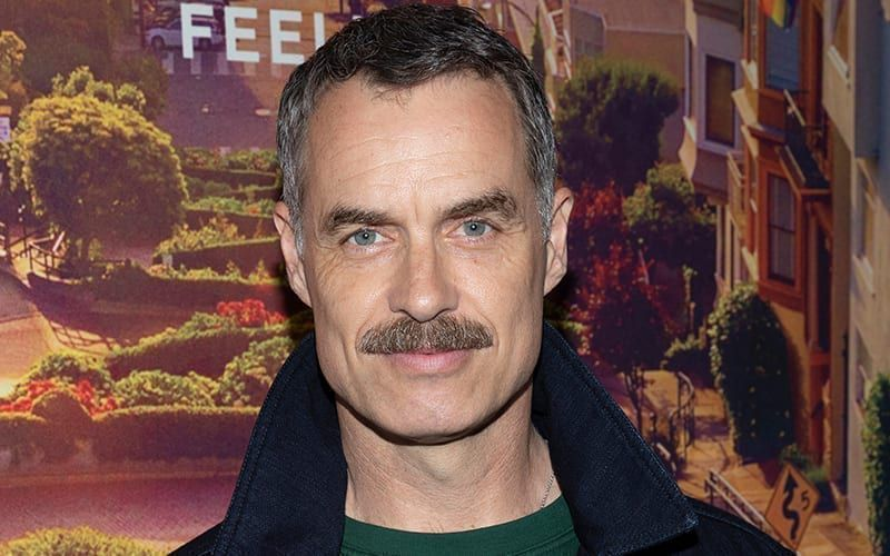 Murray Bartlett, Guiding Light, Looking